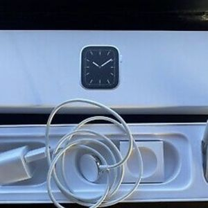Apple Watch Series 5 GPS Cellular 44mm Silver Stainless Steel Case Perfect! for Sale in Chicago, IL