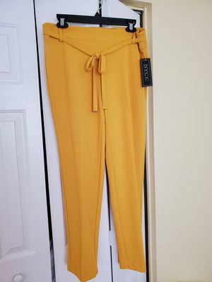 Beautiful yellow pants for Sale in Hollywood, FL