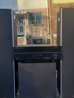 500 Watts Yamaha HDMI 5.1 Receiver with Klipsch bookshelf Speakers And Polk Audio Subwoofer And Tower Speakers for Sale in Washington,  DC