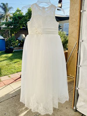 White flower girl dress size 8-9 youth Vestido de niña talla 8-9 for Sale in Vernon, CA