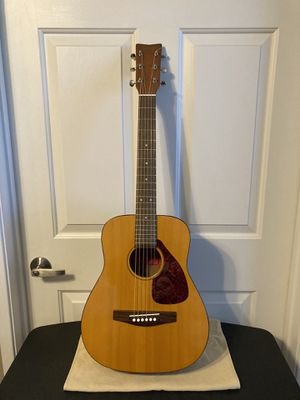 YAMAHA JR. ACOUSTIC GUITAR-PERFECT FOR BEACH/TRAVEL-READ POST!! for Sale in San Marcos, CA