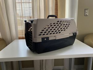 N2N Médium Size Dog / Cat - Crate / Kennel for Sale in Tampa, FL