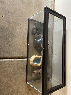 reptile tank for Sale in Clackamas, OR