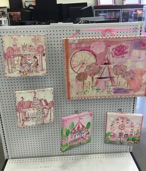 Wall decoration for Sale in Pearland, TX