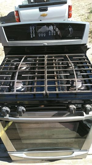 Whirlpool stove for Sale in Pueblo, CO