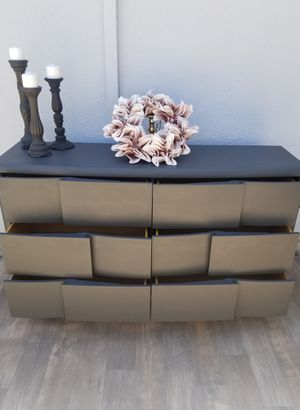 💞🖤Gorgeous Magnussen Dresser/ Buffet/ Entry table/ Tv cabinet 🖤💞 for Sale in Hayward, CA
