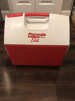 Playmate Elite Cooler by Igloo for Sale in Seattle, WA