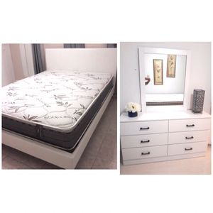 New queen platform bed frame and mirror dresser mattress is not included for Sale in Hialeah, FL
