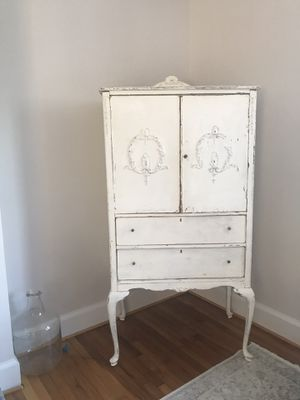 Antique hutch, cupboard, tv stand for Sale in Leesburg, VA