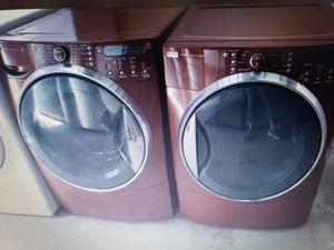 KENMORE ELITE BURGANDY STEAM WASHER AND ELECTRIC STEAM DRYER SUPERCAPACITY for Sale in Hialeah, FL