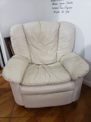 Recliner for Sale in North Miami Beach, FL