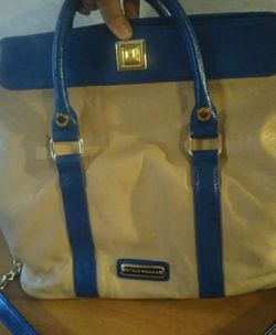 Steve Madden tote shoulder purse bag in perfect condition 12x15x 6 for Sale in Huttonsville,  WV