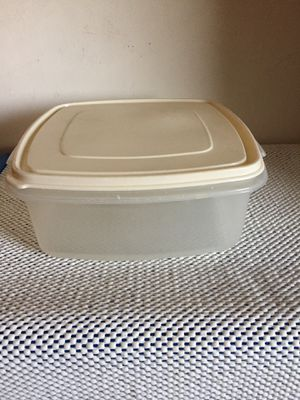 Food storage container for Sale in Honolulu, HI