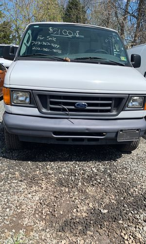 2006 ford e350 super duty! Low miles! for Sale in Manassas, VA