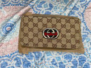 Woman wristlet designer for Sale in Brooklyn, NY