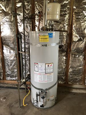 Gas water heater, 9 years old. for Sale in Kirkland, WA
