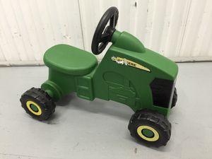 John Deere Child's Riding Tractor for Sale in Nashville, TN