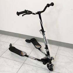 "New in box $40 each Kids Scooter Kick Swing Wiggle 3-Wheel Adjustable Height 30""-36"" for Girls & Boys 5+ Year Older for Sale in El Monte,  CA"