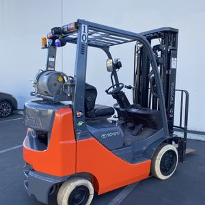 2017 Toyota Forklift 4000 LBS CAP 8FGCU20 for Sale in Las Vegas, NV