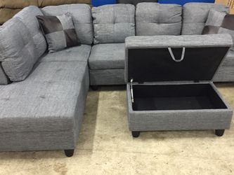 Grey Linen Sectional Couch And Ottoman for Sale in Newcastle,  WA