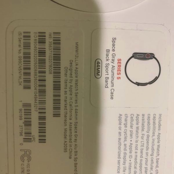 BRAND NEW SERIES 5 APPLE WATCH NEED GONE RIGHT NOW