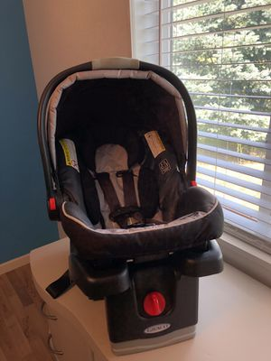 Graco snug and ride infant car seat for Sale in Victor, MT