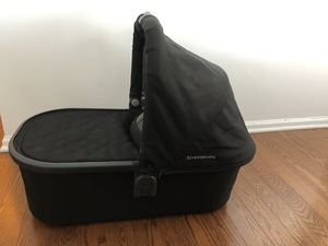 Uppababy bassinet (Tribeca Manhattan) for Sale in New York, NY