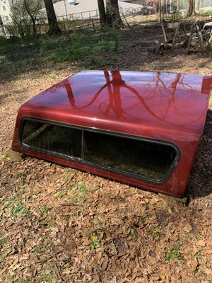 Red and black camper shell for Sale in Hapeville, GA