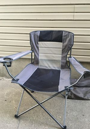 Chair free for Sale in Dearborn, MI