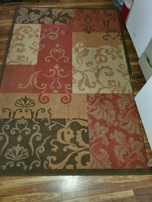 Free rug!!! Has a cut on one of the edges, look at the pics. for Sale in Squaw Valley, CA