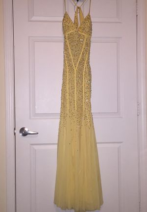 Cache sequin yellow mermaid - prom dress for Sale in Angier, NC
