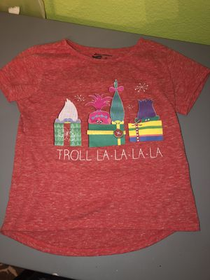 Trolls Christmas T-shirt girls 5T for Sale in San Antonio, TX