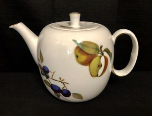 Royal Worcester EVESHAM Teapot Tea Pot and Lid Made in England for Sale in Crofton, MD