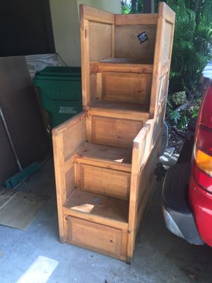 Bunk bed stairs ( no bed) Free for Sale in Miami, FL