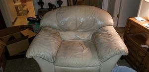 Oversized leather chair for Sale in Castro Valley, CA