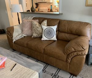 Leather couch for Sale in Cleveland, OK