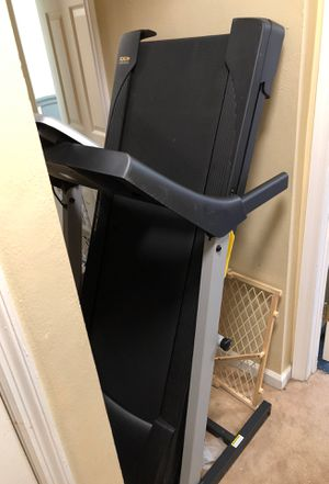 Golds gym 430i treadmill for Sale in Overbrook, WV