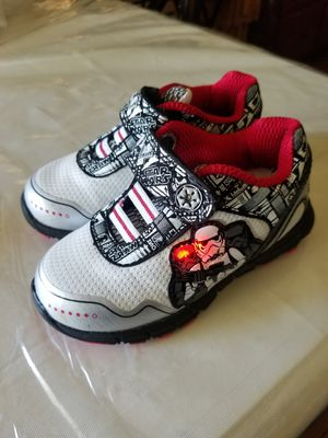 *****TODDLERS STAR WARS LIGHT UP SHOES SIZE 7***** for Sale in Fresno, CA