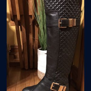 Vince CAMUTO 8 1/2 Tall Leather Boots $40 for Sale in Chicago, IL
