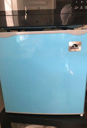 mini fridge for Sale in Takoma Park, MD