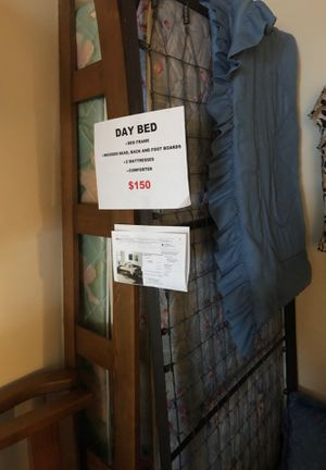 Day Bed for Sale in Pittsburgh, PA