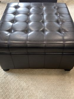 Leather Ottoman for Sale in Eagle Creek,  OR