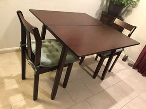 Beautiful and Versatile Wooden expendable Table and 2 Chairs plus 2 cushions -like new for Sale in Burlingame, CA