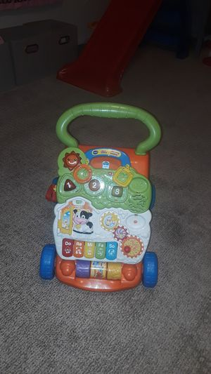 VTECH SIT TO STAND LEARNING WALKER for Sale in Palm Springs, FL