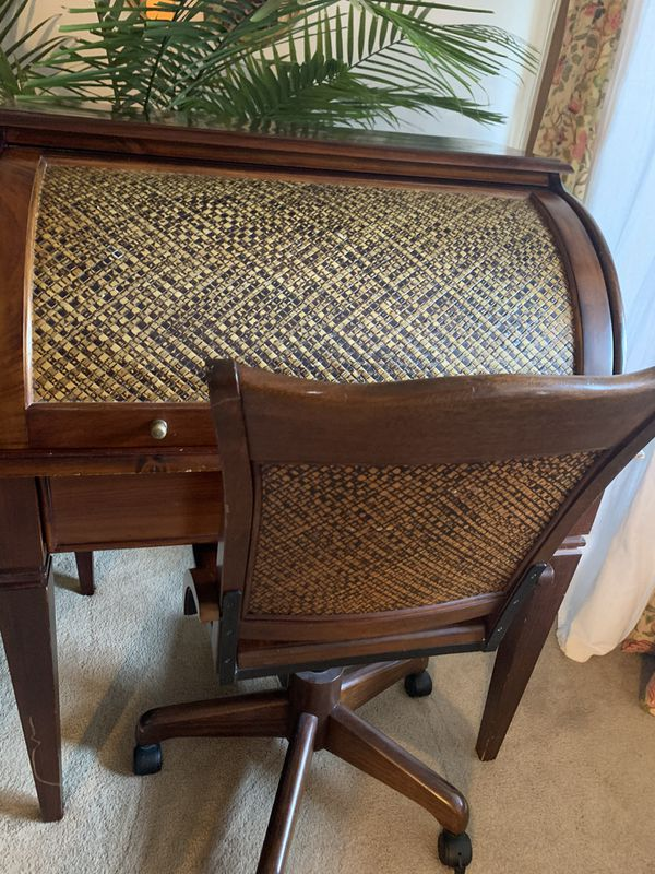 Bombay desk and swivel chair