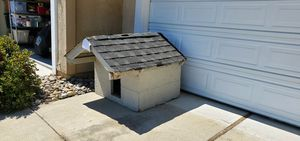 Dog house free free free free for Sale in San Leandro, CA