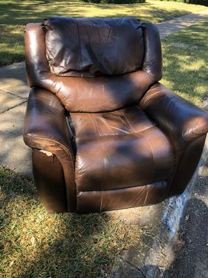 FREE RECLINER for Sale in Dallas, TX