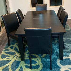 Dinning table and 6 chairs for Sale in Irvine, CA