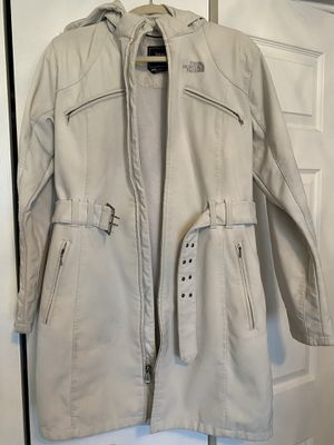 NORTH FACE WOMENS PARKA JACKET SIZE L for Sale in Chicago, IL