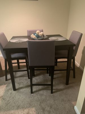 Dining table for Sale in Columbia, SC